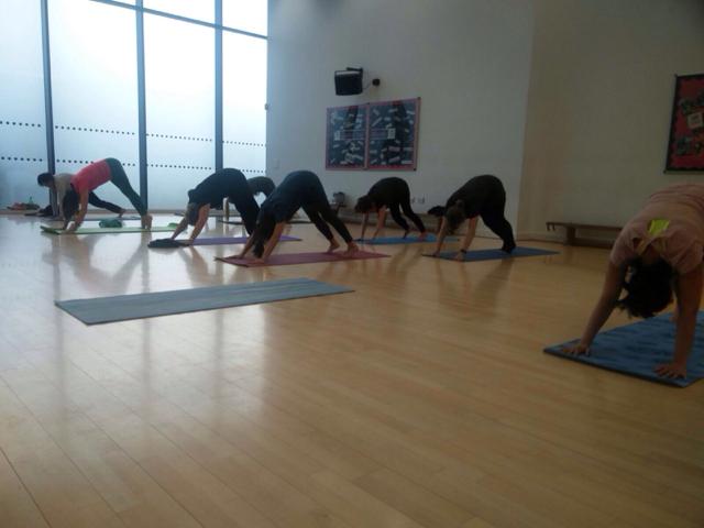 Indoor-Yoga.png